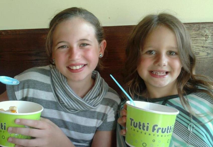 Anna & Sis at their favorite Tutti Frutti!